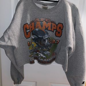 Cropped crew sweatshirt from LF